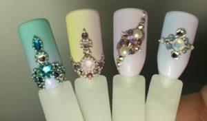 украшение-ногтей-стразами