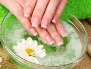Повреждение ногтевой пластины на руках