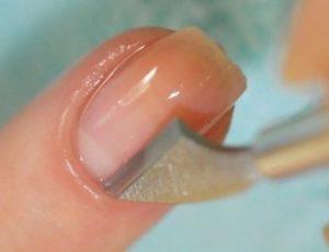 Очистка ногтей от кутикулы
