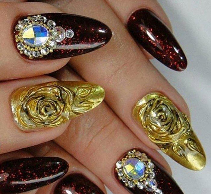 большие камни на ногтях