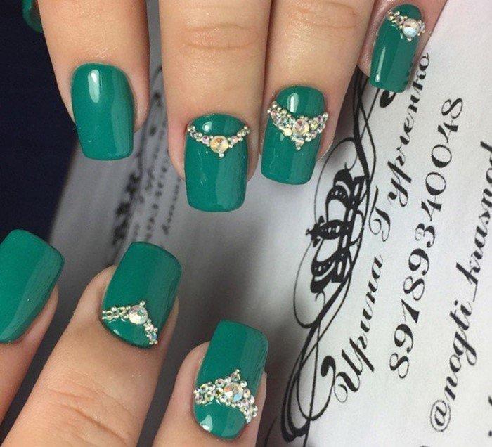 зеленые ногти короны из страз