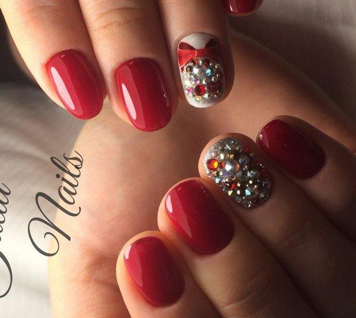 новогодние ногти со стразами