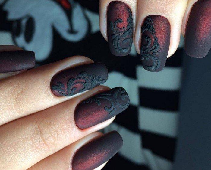 темно красные матовые ногти