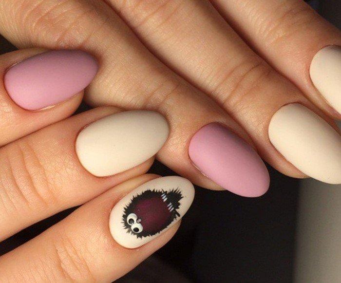матовые розовые ногти с совенком