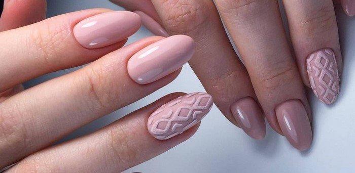матовые розовые ногти с вязанным рисунком
