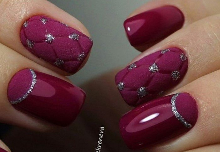 стеганные матовые ногти