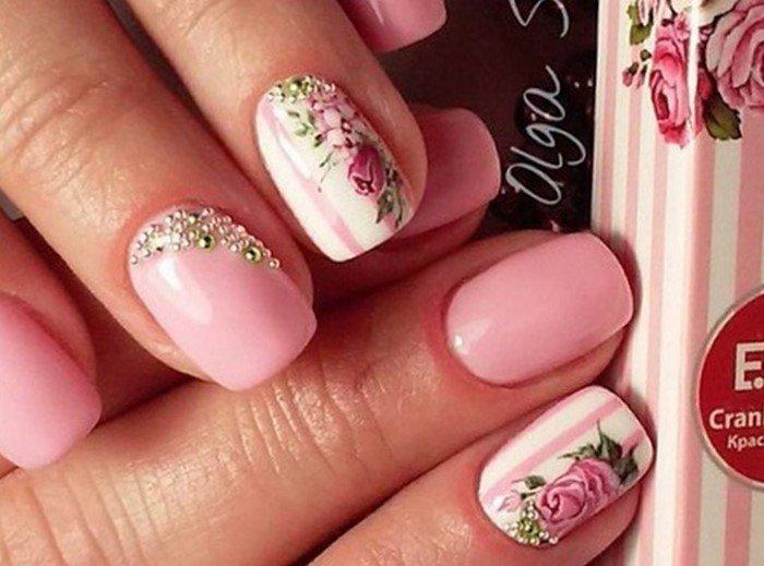 розовые ногти со слайдерами
