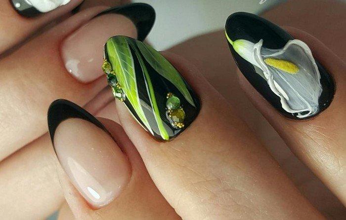 черные ногти с цветком калы