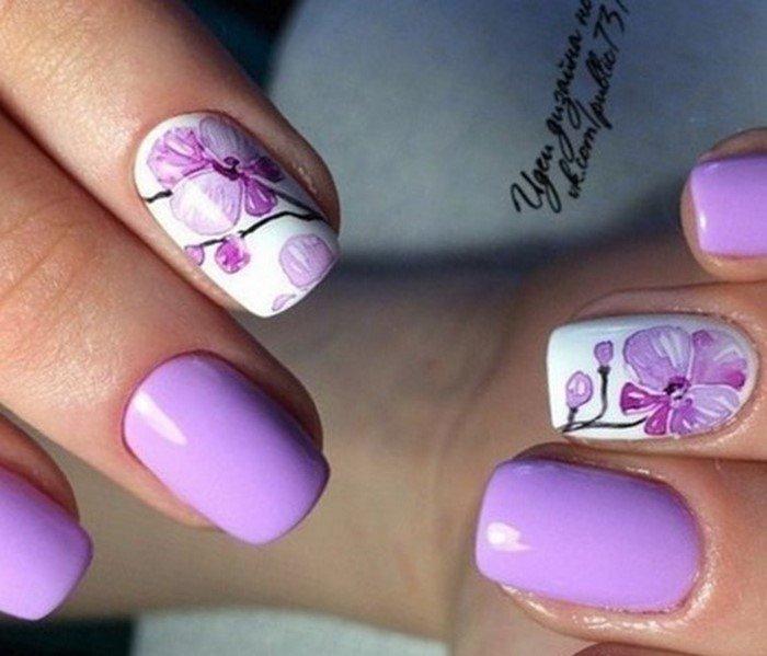 лиловые ногти с архидеей