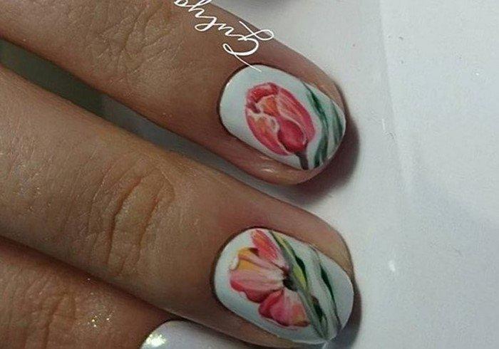 ногти с тюльпаном