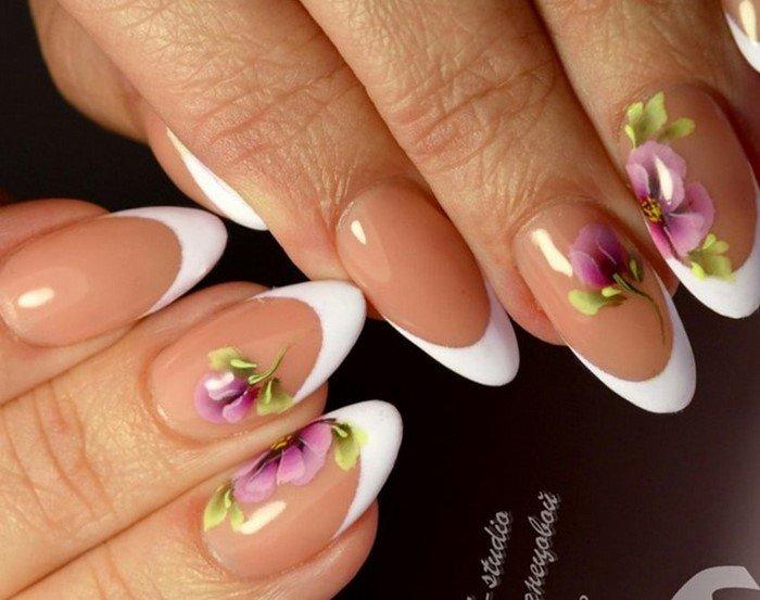 белый френч с рисованным цветком
