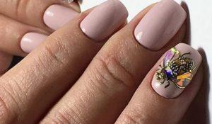 розовые ногти смухой