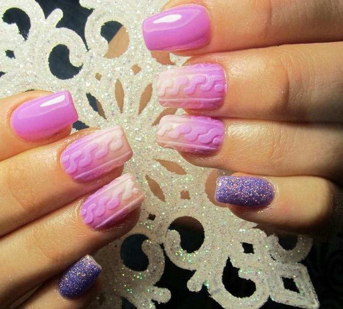 розово-фиолетовые ногти с вязкой