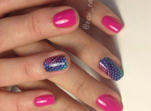 розовые ногти со слайдером