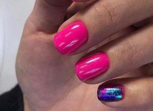 розовые ногти с фольгой