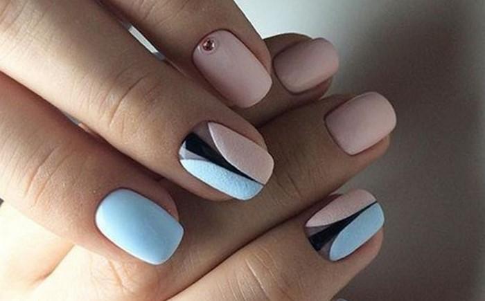 красивые розово-голубые ногти