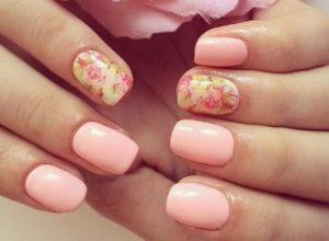 розовый слайдер с цветами