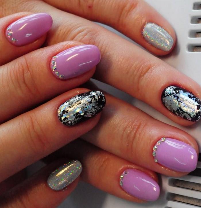 розово-фиолетовые ногти