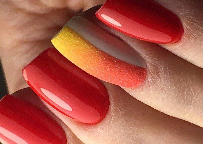 красные-ногти-с рисунком (41)