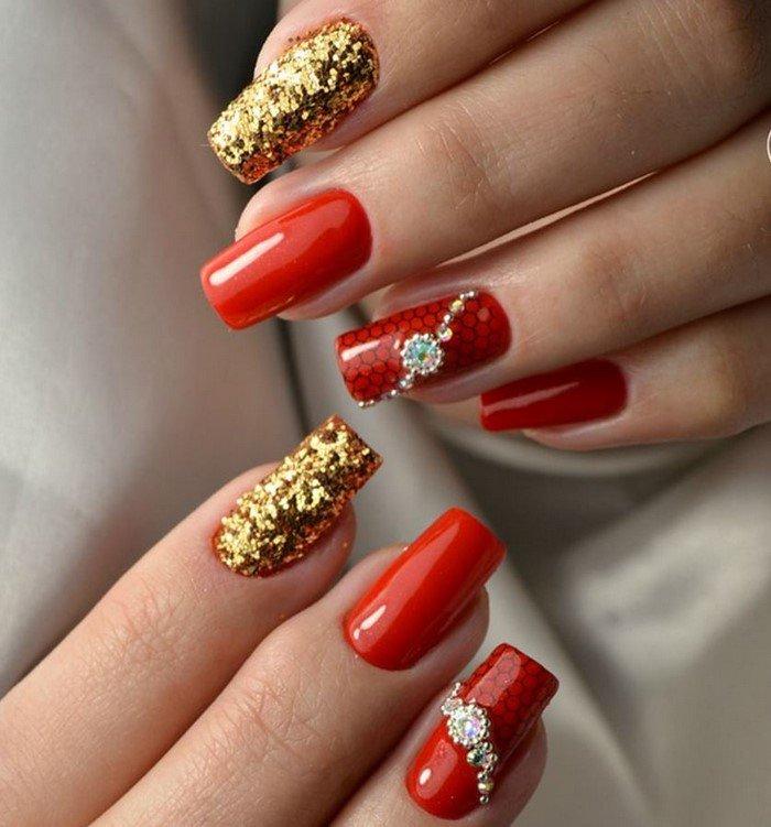 красные-ногти-с рисунком (59)