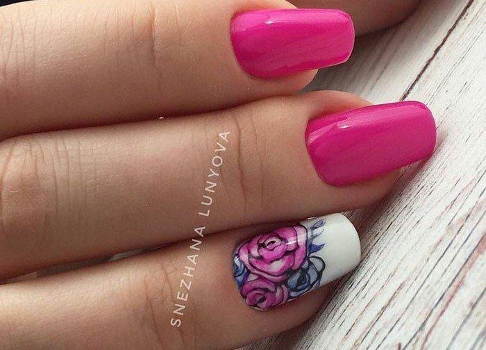 ярко розовые ногт с цветами