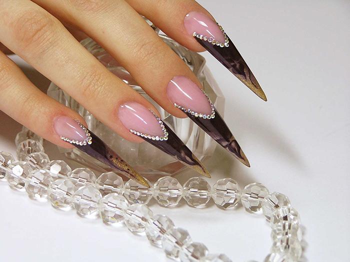 Ногти стилет